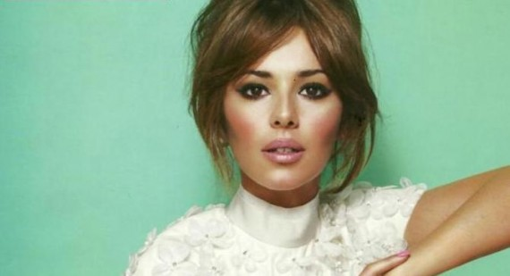 Who is sexier Cheryl Cole or Danni Minogue?