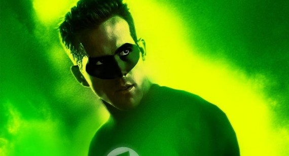 Why is Ryan Reynolds the only green lantern with a mask?