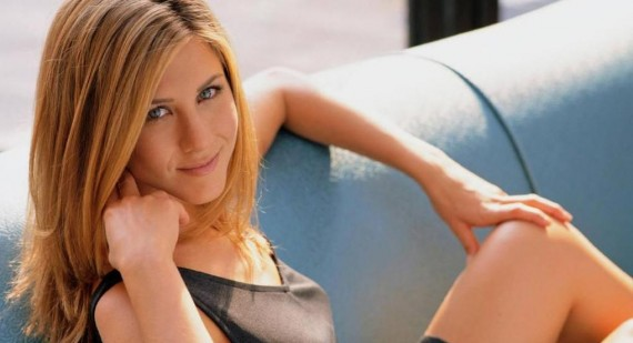 Who did ashley tisdale and Jennifer Aniston's nose jobs?