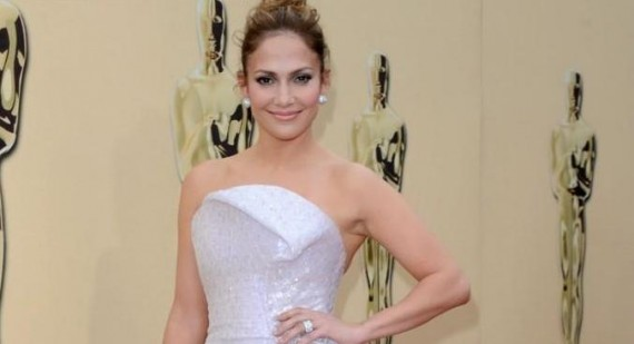 How did being a Buddhist influence Jennifer Lopez's life?