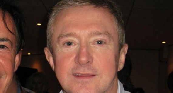 What is wrong with Louis Walsh' eyes?