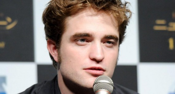 When is Robert Pattinson coming to Texas?