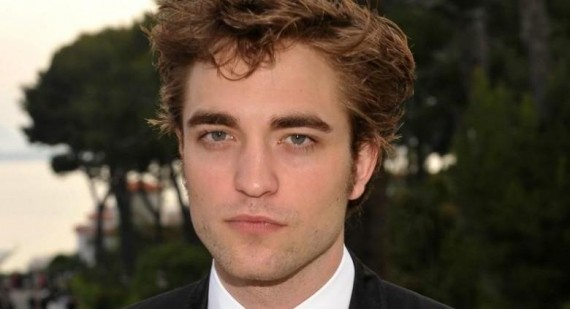 Why is Robert Pattinson so UGLY in the twilight movie?