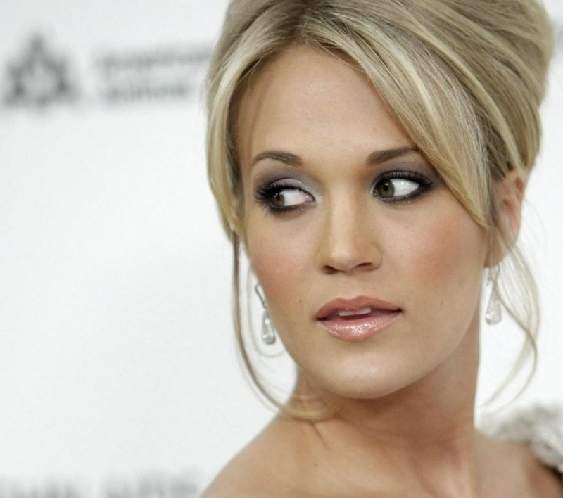 Carrie Underwood Engaged To Nhl Player Mike Fisher Main