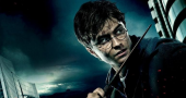 Daniel Radcliffe discusses the differences between film and theatre