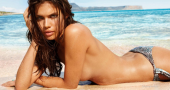 Sara Sampaio wins Sports Illustrated Swimsuit Issue 2014 Rookie of the Year