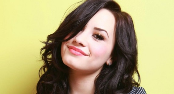 Who is Demi Lovato going out with?