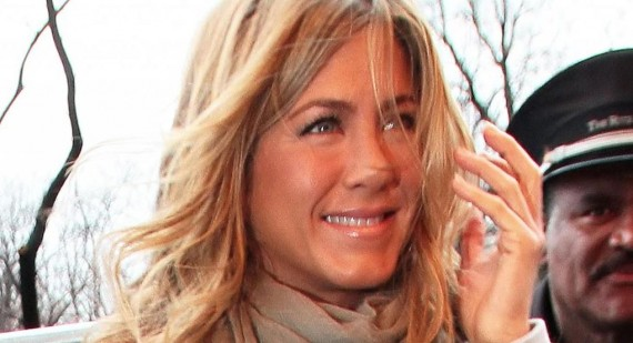 When did Jennifer Aniston smoke?