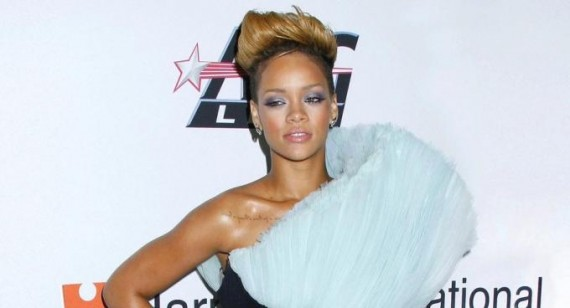 When is Rihanna planning to meet chris brown?